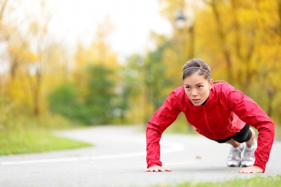 woman-sports-performance-press-up